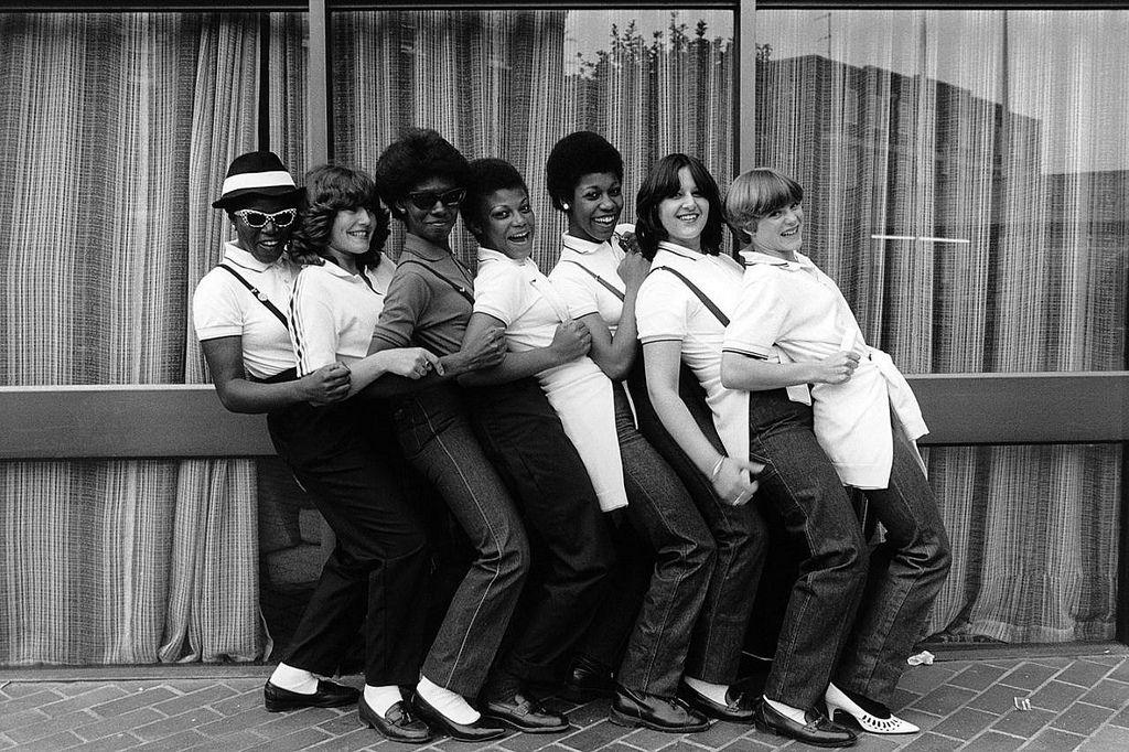 Janette Beckman, Ska girls, Coventry, 1980