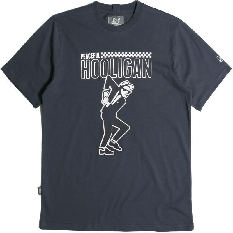 La t-shirt di Peaceful Hooligan