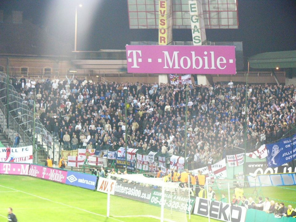 curvasrb Ferencvaros - Millwall 04/05