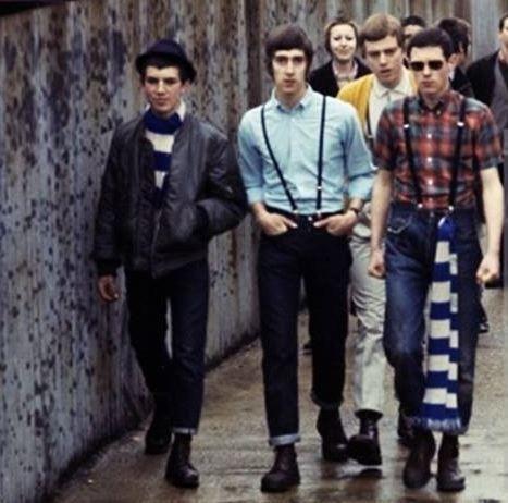 Skinheads verso lo stadio